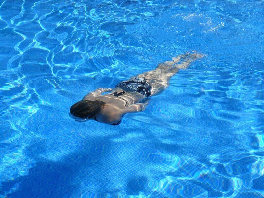 Álmoskönyv: úszás – mit jelent, ha erről álmodunk?