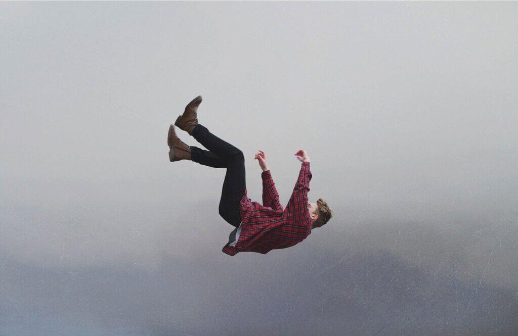 Visszatérő álmok: Zuhanás álomban, mit jelenthet